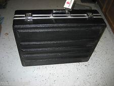 Used HEAVY DUTY Equipment Travel Case 24x19x8, foam inserts, lock latches-NO KEY