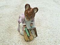 Beatrix Potter figurine - Hunca Munca Sweeping.  F. Warne.  Beswick c 1977