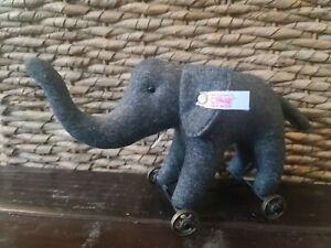 Steiff Club edition 2004 Elephant on Wheels