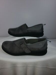 NEW Clarks Cloudsteppers Women's Sillian Gray Comfort Walking Shoes Size 8.5 M