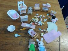 Sylvanian FAMILY QUANTITY OF FURNITURE/ ACCESSORIES FOR  NURSERY/CHILDS BEDROOM