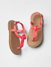 GAP Kids / Toddler Girls NWT Size 1 Youth Pink Thong T-Strap Sandals Shoes