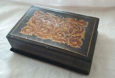 Eccezionale portasigarette da tavolo in legno intarsiato primi novecento