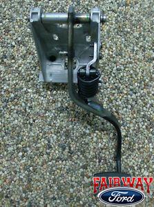 99 00 01 02 03 F250 F350 F450 7.3L OEM Genuine Ford Clutch Pedal Asm. w/ Spring