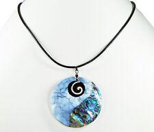 Schöne Halskette mit Anhänger  aus echter Paua-Muschel in Rundform