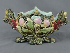 E68-8 Schale, ovale längliche Form, dekoriert mit floralen Reliefs, Jugendstil