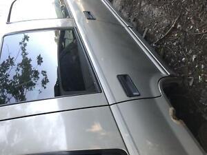 95 96 97 98 1999 00 Chevy Tahoe Front Right Passenger Door Window Glass