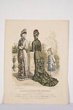Au jardin femmes fillette chapeau à plume Gravure ancienne MODE Paris v 1880