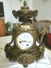 Ancienne Pendule en bronze 19 ème   style louis XVI