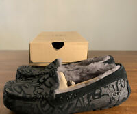 UGG ANSLEY SPARKLE GRAFFITI BLACK SIZE 5 1108138 WOMAN'S SLIPPERS, AUTHENTIC NEW