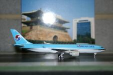 Phoenix 1:400 Korean Air Airbus A330-200 HL7539 (PH04006) Die-Cast Model Plane