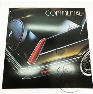 1982 Lincoln Continental Original Dealer Sales Brochure (P8110)