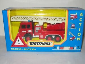 MATCHBOX SUPERKINGS - FIRE TENDER WITH WORKING FEATURES  - K-132