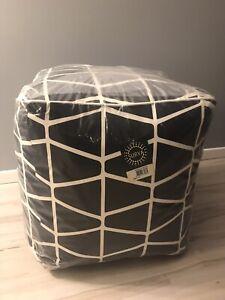 """NEW Surya SMPF012-161618 18"""" Black & White Pouf Modern Design"""