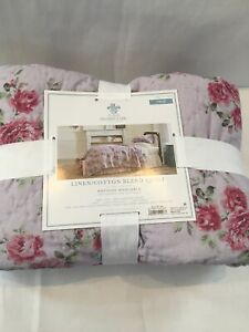 Simply Shabby Chic Quilt - Lavender Purple With Floral Pattern - Twin Size - NEW