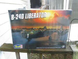 Revell B-24D Liberator WWII US Heavy Bomber 1/48 Scale Model Kit 85-5625 SEALED
