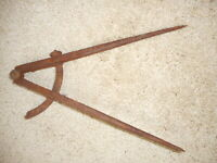 Vintage Caliper Drafting Carpentry Machinist Shop Tool Rusty Garage
