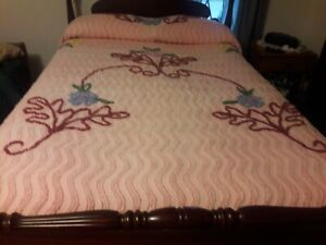 Vintage Chenille Full Size Bedspread Pink with Multicolor Flowers