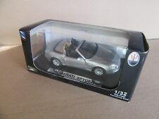 245H New-Ray 51686 Maserati Spyder 2002 Argenté 1:32
