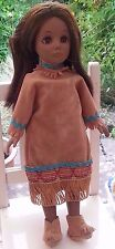 EFFANBEE 10.5' Historical doll Native Indian en superbe tenue.