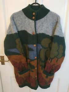 True Vintage 80s Icelandic chunky 100% New Wool Cardigan Jumper Autumn Landscape