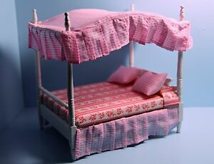 Dollhouse Miniature Wood White Double Canopy Bed with Pink Fabric Decor GM031
