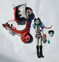 Monster High SCOOTER Ghoulia Yelps Owl Mattel Doll 2012 Discontinued EUC Playset