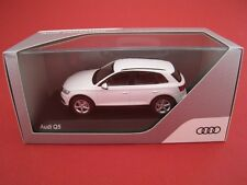 Audi Q5 in weiss Kyosho Audi collection Maßstab 1:43 OVP  NEU