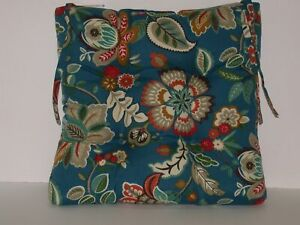 """Resort Spa Outdoor Patio Seat Pad ~ Modern Floral ~ 18"""" x 17.5"""" x 3.5"""" NEW"""