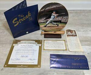 "Joe DiMaggio SIGNED 8"" Bradford Exchange Plate w/Original Paperwork, Stand & Box"