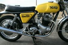 NORTON COMMANDO ROADSTER 850 LOGO YELLOW PAINTED PETROL TANK WITH SIDE PANEL