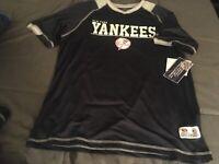 B2 New York Yankees true fan T-Shirt Men Adult Logo Jersey NY v neck Medium