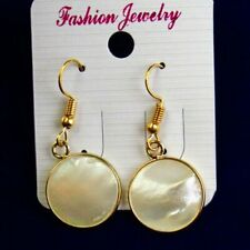 1Pair Wrapped Natural White Shell Round Pendant Bead Earrings SH1478