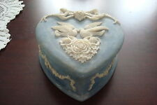 Incolay Heart shaped jewelry box, light blue with white decorations[5]