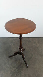 Round Side Table Salon Table Walnut Um 1880