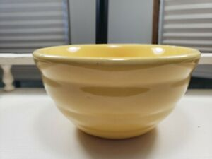 """Vintage Bauer #30 Pottery Ring Ware Yellow 5"""" Mixing Bowl"""
