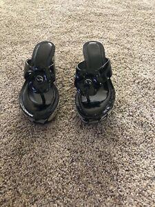 Coach Poppy Womens 8 Harley Flower Wedge Flip Flop Sandals Black/Gray