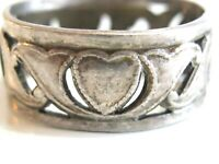 ANTIQUE / VINTAGE STERLING SILVER SWEETHEART HEART AND SCROLL OPENWORK BAND RING