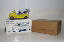 FIRST GEAR 1952 GMC TWIN BOOM DELUXE WRECKER TOW TRUCK, 1:34 SCALE, LOT B