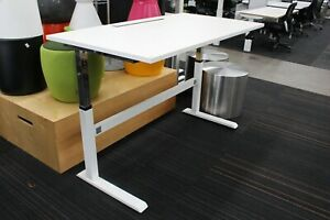 Office/Home Manual Sit stand Desk 42801/04