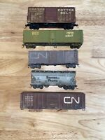 HO Scale Athearn Lot Of (5) Custom Weathered Train Cars Various Railway's