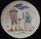 A'/ Assiette (n°9) signée CLOS DE JOYE - ORLÉANS décor peint main (couple...)