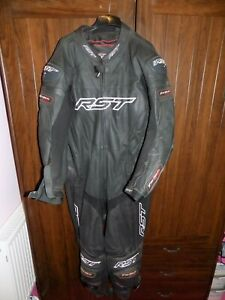 RST TRACTECH EVO ONE PIECE MOTORCYCLE RACE LEATHERS SIZE 52