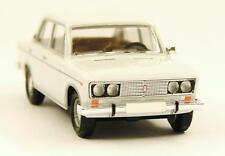 H0 BUSCH Personenkraftwagen Lada 1600 VAZ 2106 Shiguli CMD weiß DDR # 50550