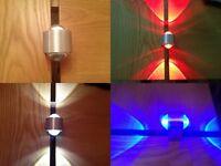 Luz de pared LED Lámpara de techo 2x1w Disponible en azul, blanco y rojo 9840