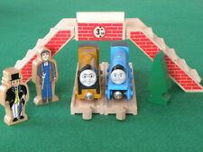 FOOTBRIDGE figures for THOMAS & Friends Wooden Railway TRAIN set