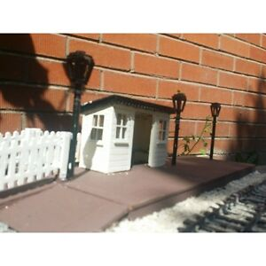 STATION SHELTER FOR GARDEN RAILWAY. 16MM SCALE. G SCALE