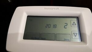 Honeywell 7-Day Touchscreen Programmable Thermostat - White - RTH7600D