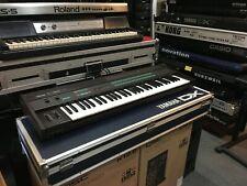 Original Yamaha  DX7  Synthesizer 61 key keyboard  DX7 Vintage w/case //ARMENS//