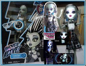 Monster High GHOULS ALIVE Frankie Doll - I SPARK Lights Up & Electrifying Sounds